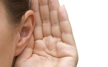 escucha de manera correcta